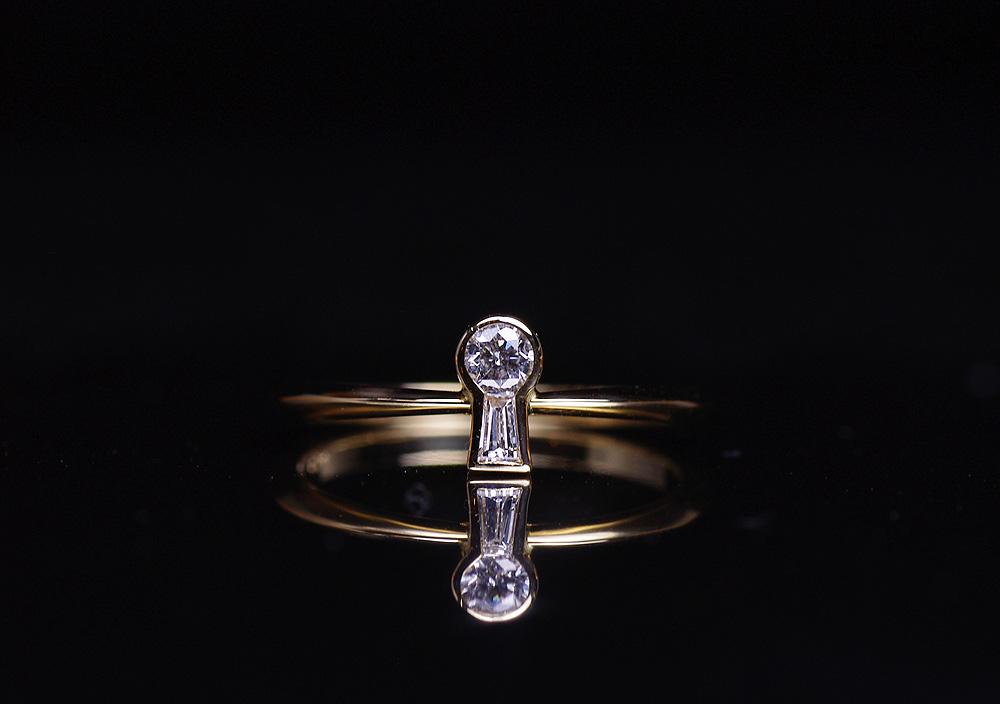 鍵穴ダイヤモンドリング / Keyhole diamond ring